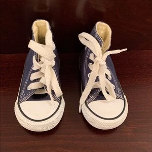 Converse Size 4
